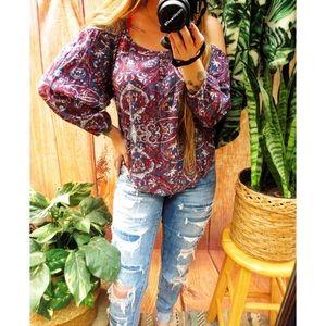 Bohemian paisley print cold shoulder top 🍃